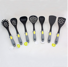 Hot new products for 2015 yiwu promation nylon utencilios de cocina