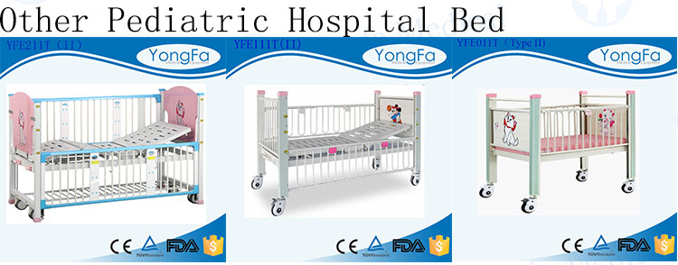 YFC361B 3 Crank Manual Hospital Bed With Common castors