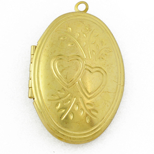 Trendy Floating Heart Love Pattern Open Brass Oval Shape Photo Frame Pendant Designs