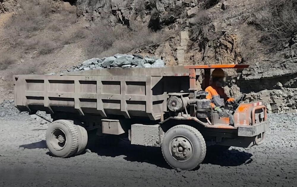 Mini 4 X 4 Wheels Underground Mining Dump Truck With Loading Capacity 5  Cubic Meters - Buy Mining Dump Truck,Underground Mining Dump Truck,Mini 4 X  4