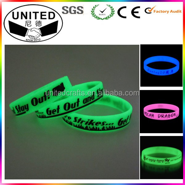 OEM Custom Silicone Fluorescent Bracelet and Silicone Luminous Bracelet for Party