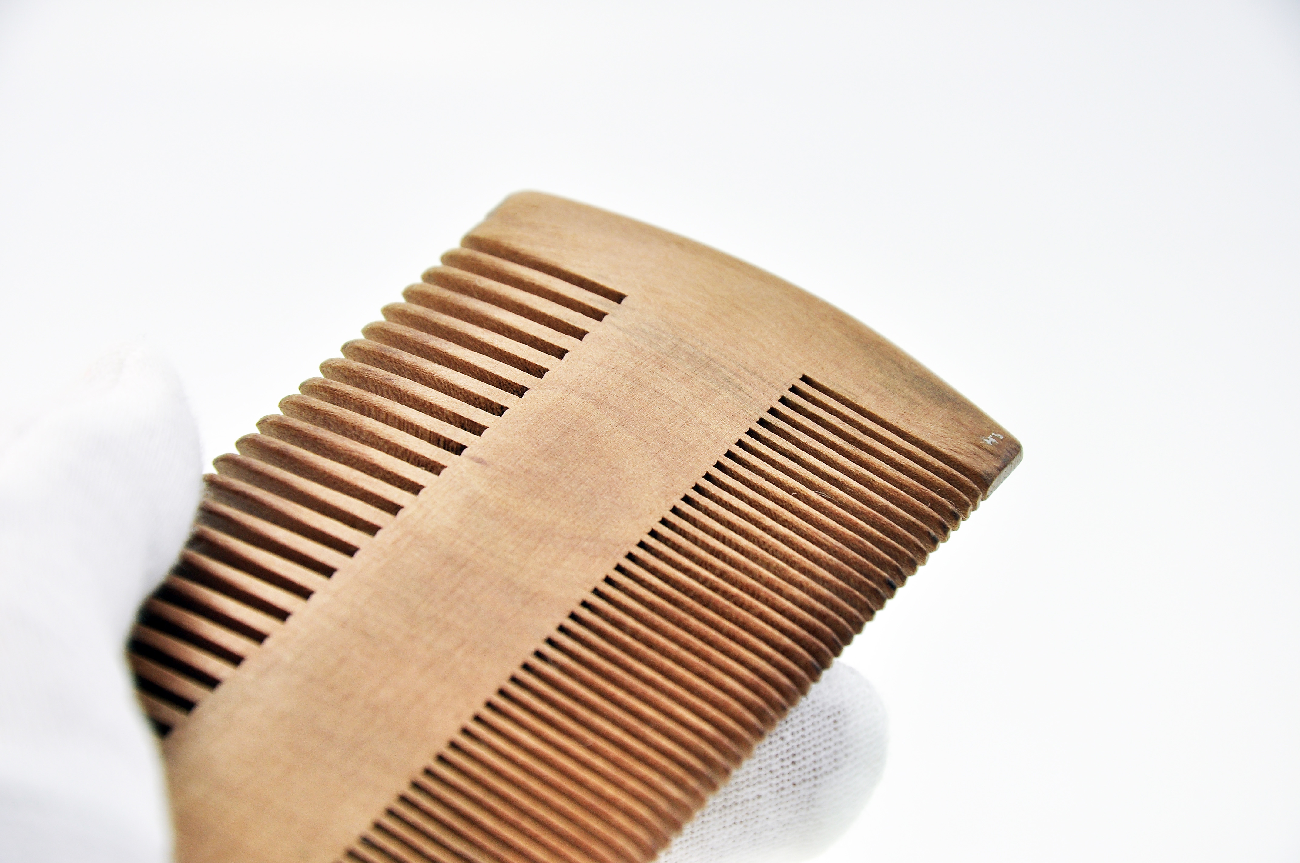 OUMO--Wholesale Customer Logo Wooden Beard Comb grooming tool