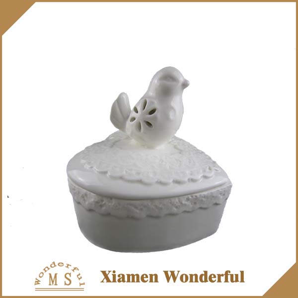 white porcelain heart shape jewelry box,wholesale ceramic jewelry box with a cute bird