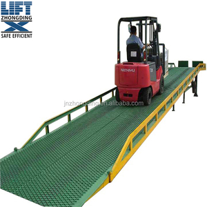 Mobile loading and unloading platform dock leveller/Mobile hydraulic ramp with top quality