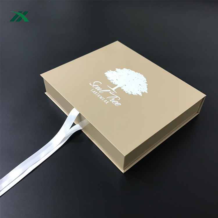 Luxury clothing gift box packaging for sports bra