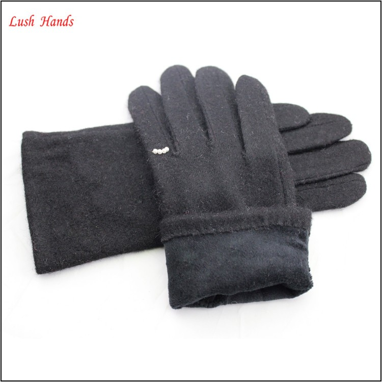 2016 fashionable ladies fur lining suede gloves decorated with fake pearls