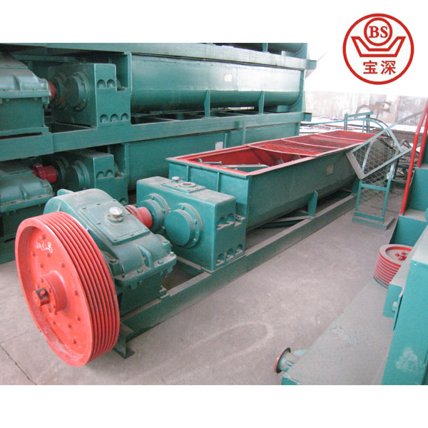 Clay mixing machine in brick production line