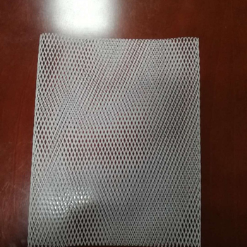 Diamond hole plastic mesh for heavy duty air filter production