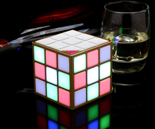 2018 Amazon best-seller nouveau gadget cube magique LED <span class=keywords><strong>lampe</strong></span> <span class=keywords><strong>de</strong></span> <span class=keywords><strong>poche</strong></span> bluetooth <span class=keywords><strong>haut-parleur</strong></span>
