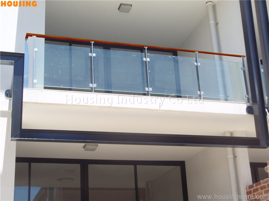stainless steel railing with tempered glass and pvc    solid wood handrail