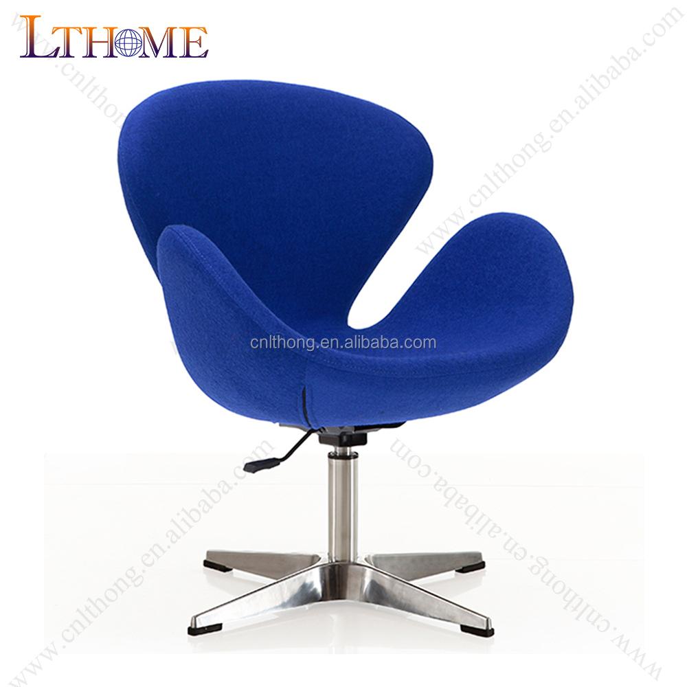 c94376bcfea B18 de inyección de alta calidad de espuma de réplica swan silla en azul