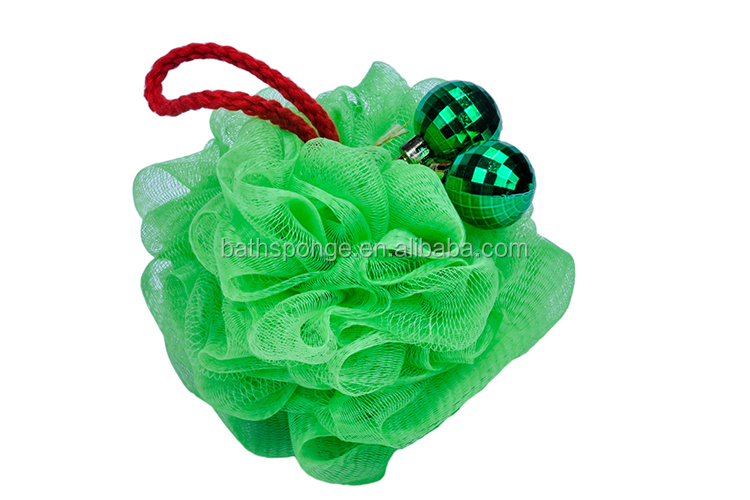 (XMAS-013) wholesale 2017 new christmas product gift green bath puff sponge body sponge with small bell