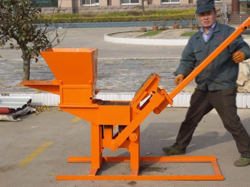 Interlocking Compressed Earth Block Machine : Qmr manual compressed earth block machine interlocking