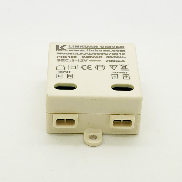 AC90-260V constant current 9-12v 240ma 3w 3x1W led driver with CE certification