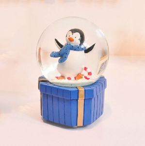 Resin craft gifts snow globe souvenir gift unique gift custom snow globe desk decoration
