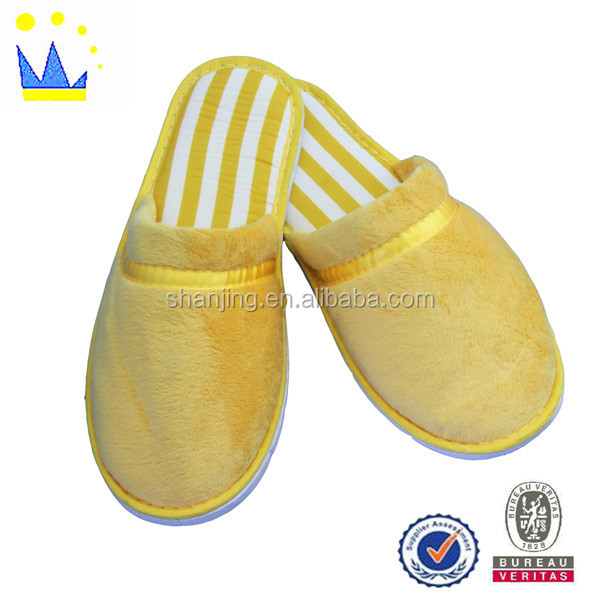 Custom high quality gift slipper yellow velour slipper for guests