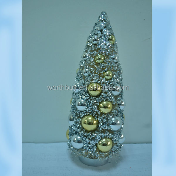 "6""/9/12"" Christmas tree with plastic ball from shenzhen factory"