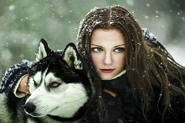 women brunette blue eyes red lipstick animals wolf snow <font><b>winter</b></font> <font><b>Home</b></font> <font><b>Decoration</b></font> Canvas Fabric Poster Print