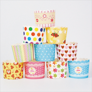 China supplier wholesale colorful square paper cupcake liners