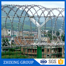 good quality chain link fence top barbed wire