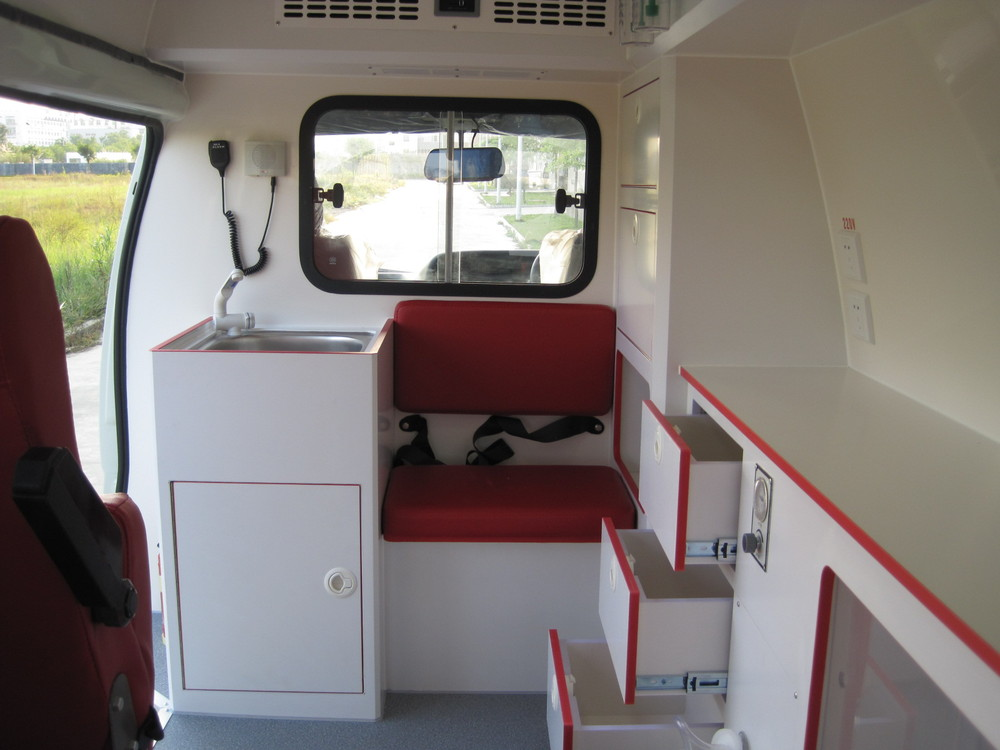 Toyota Hiace Ambulance ( Right Hand Drive )