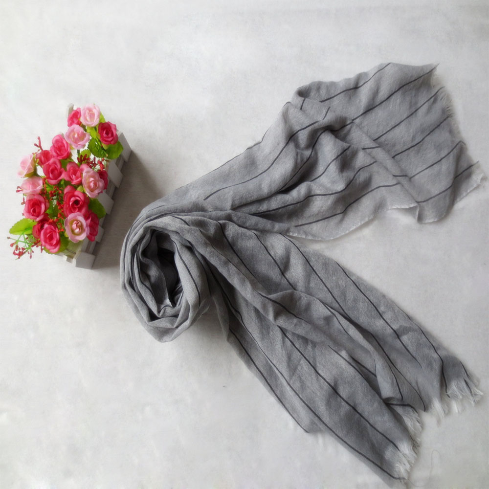 2017 Spring and summer jacquard long shawl 100% polyester fashion models scarf