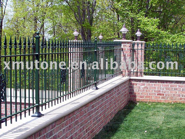 Mur de fer cl ture cl tures treillis et portails id de for Barriere mur de cloture