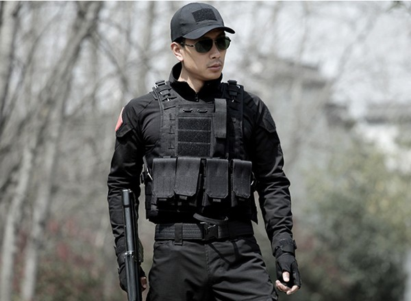 Outdoor Sports Protective Black Tactical Hunting Vest Military Equipment