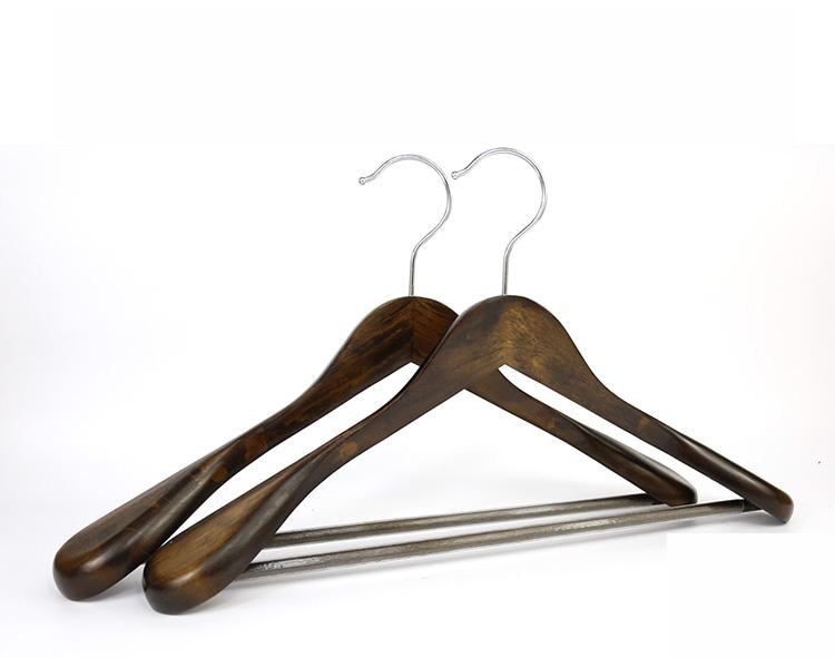 Logo Personnalisé De Luxe Large Épaule Cintre En Bois avec Antidérapant Verrouillage Barre porte-Pantalon Brun Rougeâtre