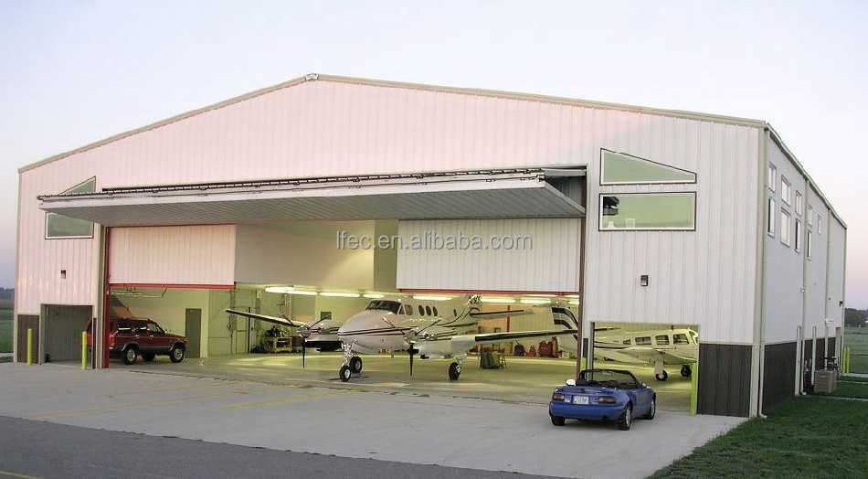 Light weight prefabricated steel frame airplane hangar