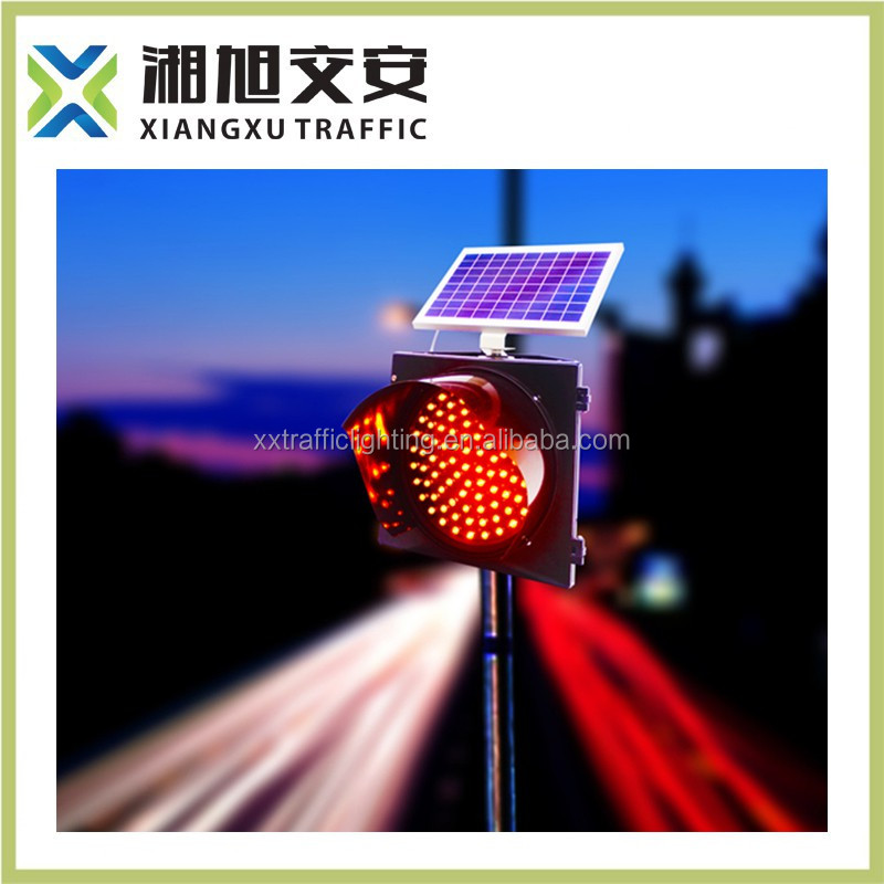High quality IP54 solar LED traffic sign flashing red and green light