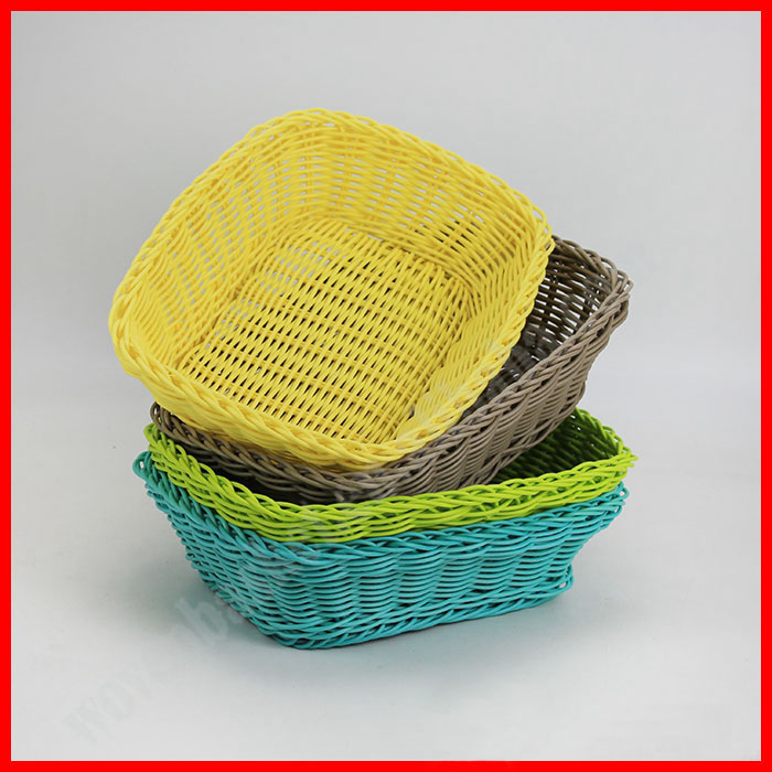 Round plastic storage basket for food and fruit