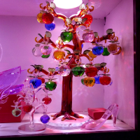 Cheap decorative colorful K9 crystal apple tree for wedding favor gift