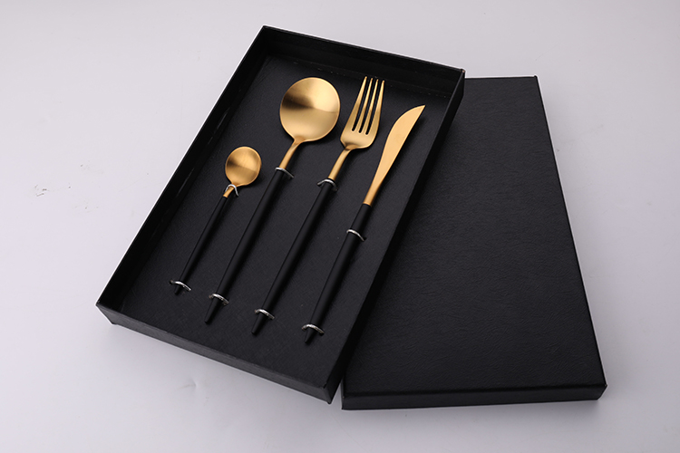 FDA Elegant Stainless Steel Matte Polish Cutlery Set with Gift box