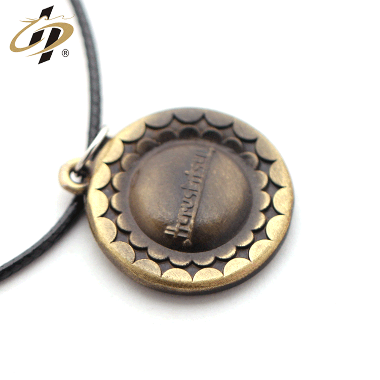 Minimalist style wholesales cheap free design custom metal ancient gold dog tag with necklace