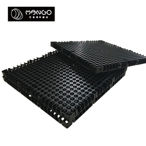 Specialized production of plastic drainage matting