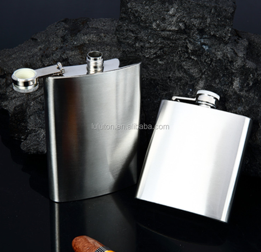 hip flask with color printed logo on both sides looks very beautiful