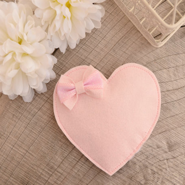 Top selling in the year heart shape felt coin purse with butterfly edge