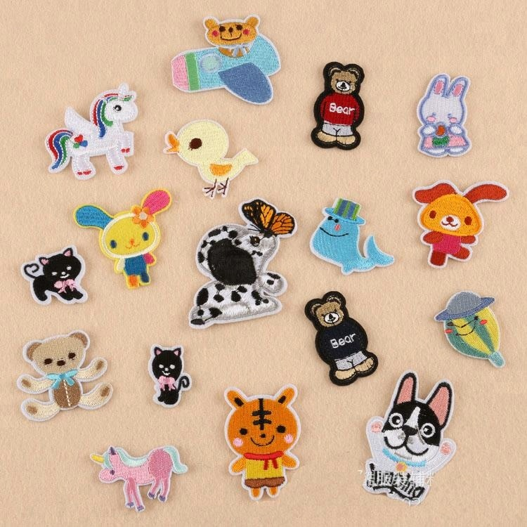 wholesale machine embroidered cute cartoon cloth patches with adhesive back