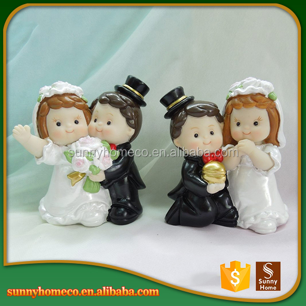 SGS 2017 New custom resin wedding couple souvenirs figurines