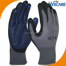Foam Nitrile Dipped Palm Gloves with Nitrile Dots