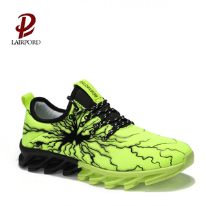 2018 New hot sale style sample Made in China fashion comfortable sport shoe men sneaker breathable mesh