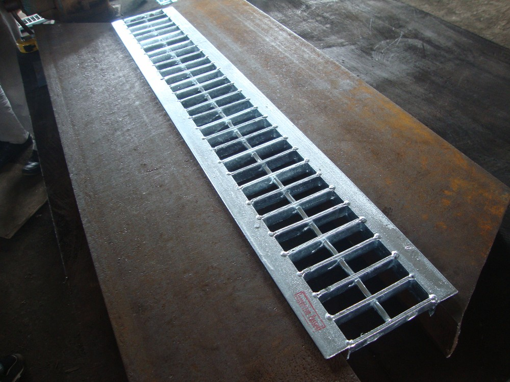 Galvanized Steel Road Drain Trench Grating Buy Drainage Metal