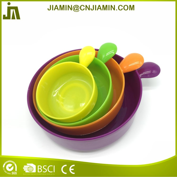 Colorful kitchen plastic mixing bowl with plastic lid