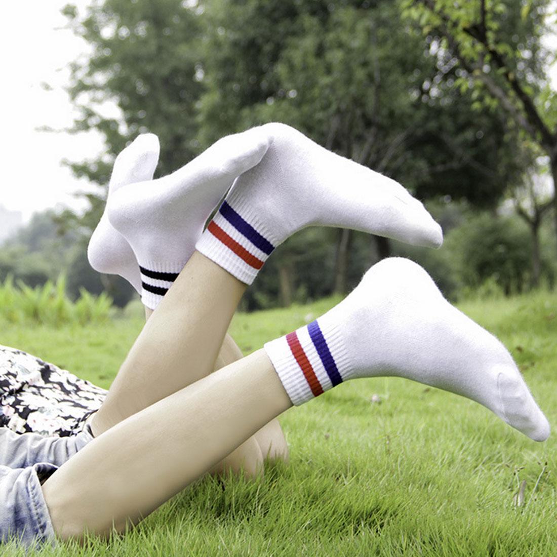 просто неблагодарные девушки в белых коротких носках фотки спокойно минут