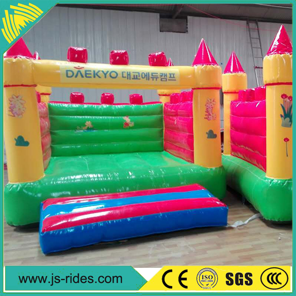 CE certificated cartoon inflatable bounce house