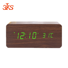 Creativo di legno del LED digital alarm clock con QI wireless caricatore del telefono mobile
