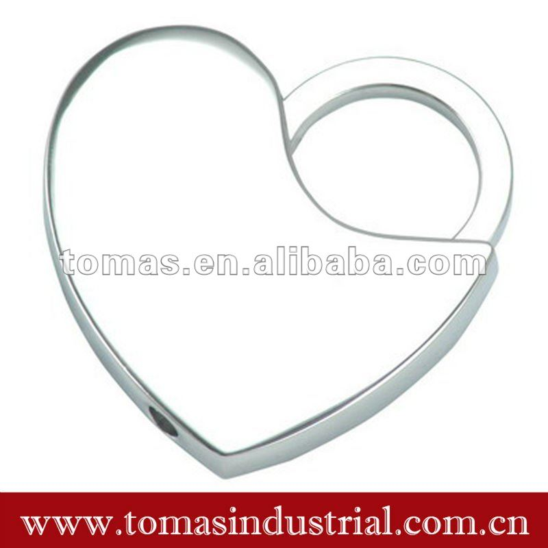 Lovely custom metal heart charms promotional items