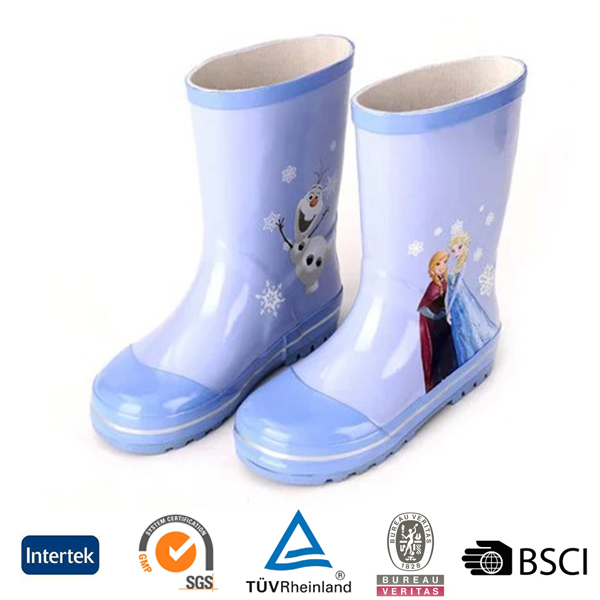 2016 fashion cartoon printed blue soft rubber material kids rain boots