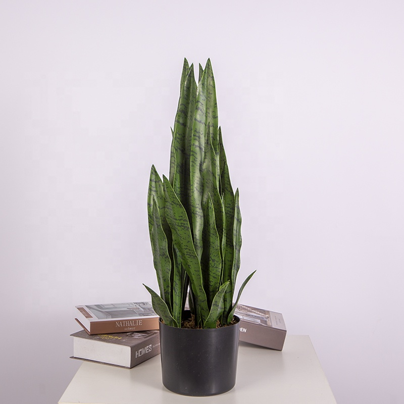 Best Selling High Quality Artificial Tiger Piran Agave For Indoor Decoration